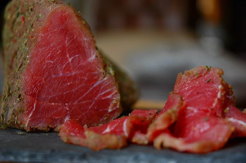 Домашняя соленая говядина
