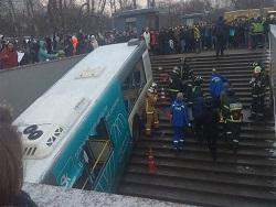 """Пассажир автобуса-убийцы: """"Водитель специально дал по газам"""""""