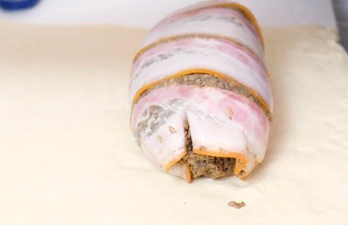 Говядина Веллингтон с грибами, запеченная в слоеном тесте Говядина, Веллингтон, Рецепт, Кулинария, Еда, Новогодние блюда, Видео, Длиннопост