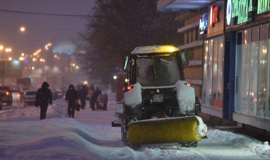 В правительстве Петербурга рассказали, куда жаловаться на некачественную уборку снега