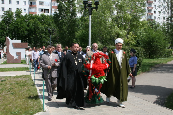 Православный и мусульманский священники вместе
