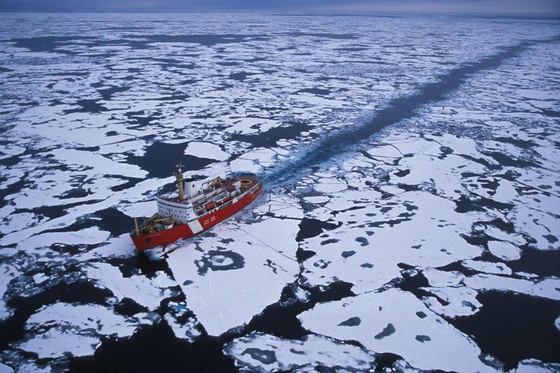 Береговая охрана США требует у России Севморпуть. Пока по-хорошему