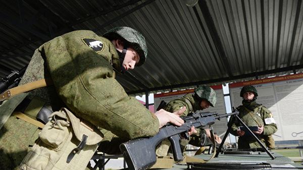 Солдатам, матросам и сержант…