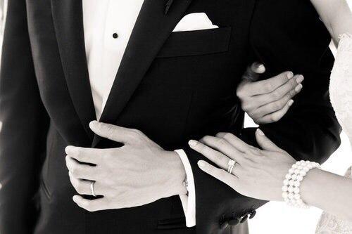 Мне мой мужчина сказал- самая дорогая оказалась женщина та которой от него ни чего не нужно.