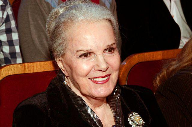 Поздравляем с юбилеем первую красавицу советского кино — Элине Быстрицкой 90!