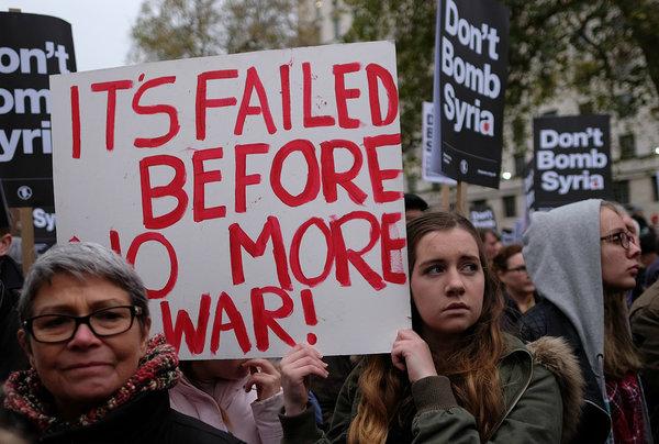 Жители США уверены, что Вашингтон сам использовал химическое оружие в Сирии