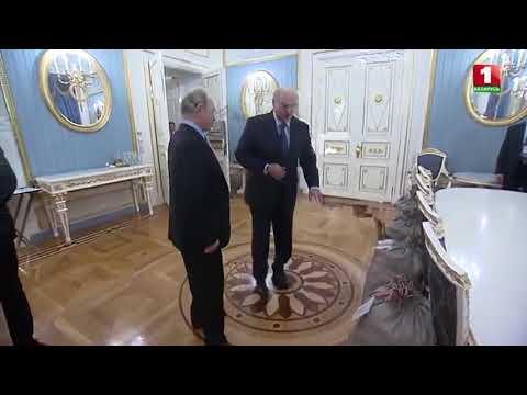 Лукашенко подарил Путину несколько мешков отборной белорусской картошки