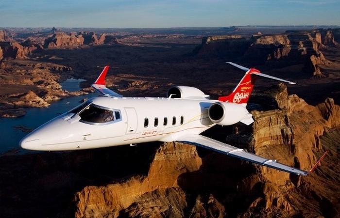 Частный самолет Learjet 60XR.