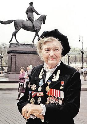 Eдинственная женщина служившая в разведке морской пехоты