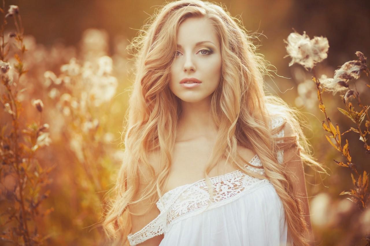 Фото красивой девушки из фотошопа