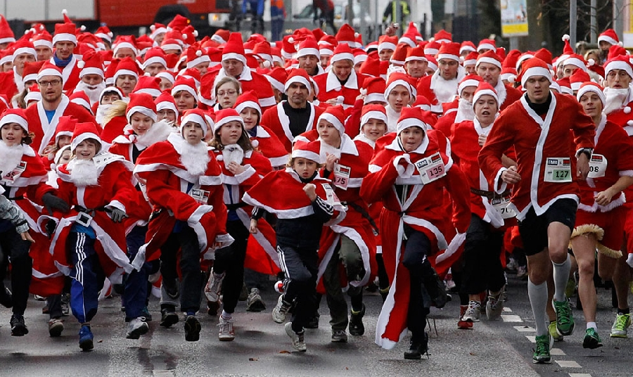 Санта-Клаус к нам спешит!