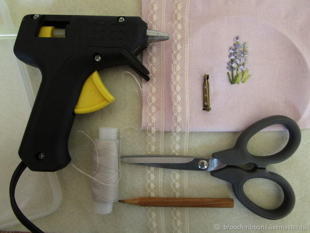 Как собрать текстильную брошь, или Что у брошки внутри?