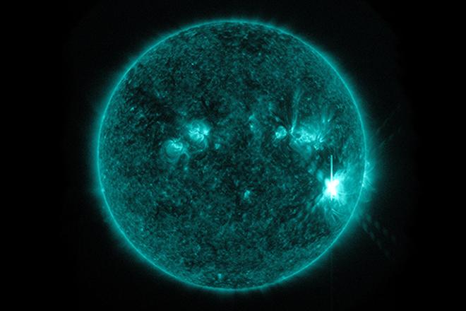 Третья вспышка на Солнце угрожает гибелью человечества