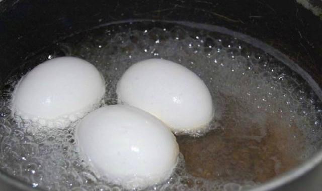 Чтобы контролировать уровень сахара в крови — вам понадобится всего одно варенное яйцо!Вы будете поражены результатами своих анализов!