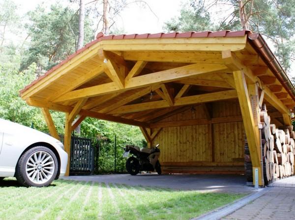 Деревянный навес для автомобиля фото