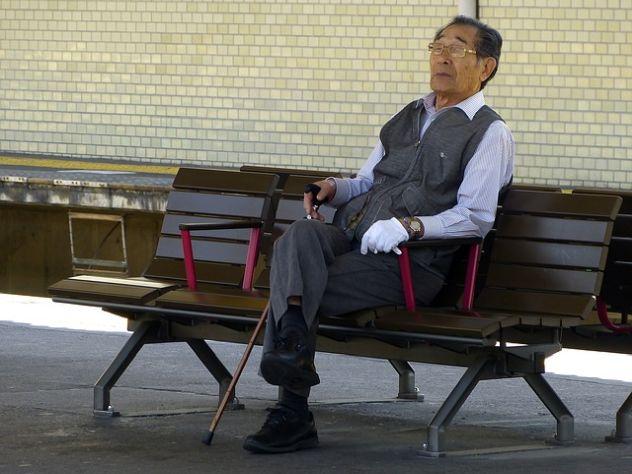 Японцев попросят выходить на пенсию после 70 лет