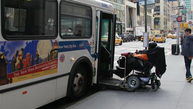Невероятное отношение к пожилым людям и инвалидам в США