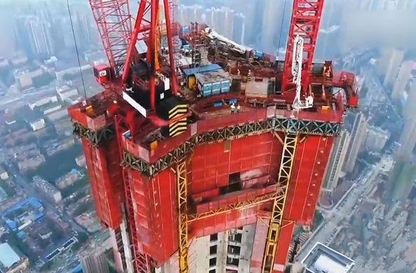 В Китае создали машину для строительства небоскребов