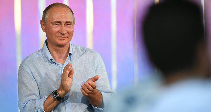 БРИТАНИЯ В ЯРОСТИ, ЧТО НЕ СМОГЛА ПОМЕШАТЬ РОССИИ: «ОНИ ПРИДУТ И ОПЯТЬ ВЫБЕРУТ ПУТИНА»