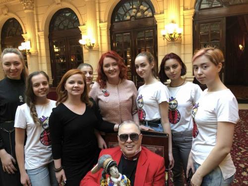 Париж покорила коллекция одежды от ивановской арт-студии
