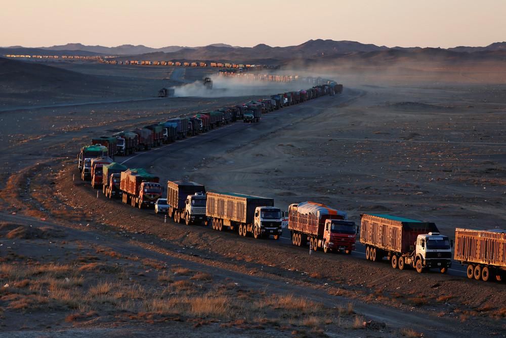 Транспортировка угля в Монголии