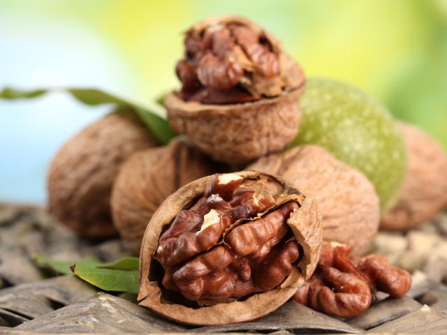 Народные рецепты лечения скорлупой грецкого ореха