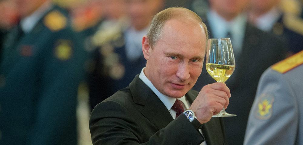 Двадцать лет одно и то же: Кремль отказался от торжественного приема в честь инаугурации Путина