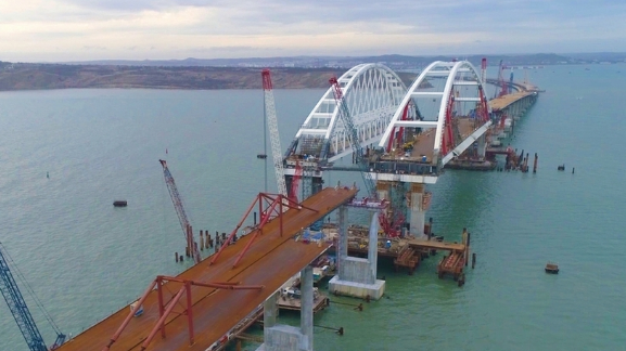 Опора Крымского моста тресну…