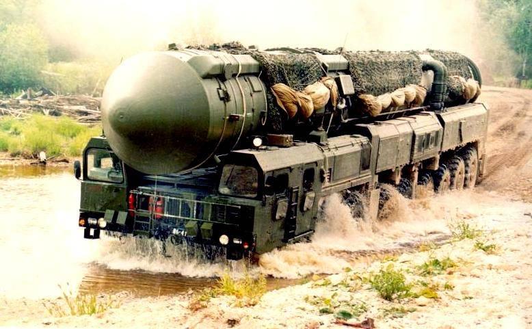 «Тополь-М» против «Минитмен-3». Инфографика