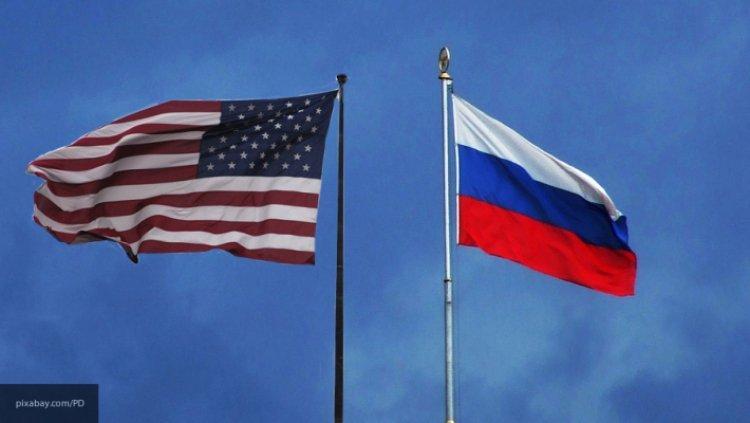Михеев рассказал о российском ответе на снятые флаги с дипмиссий в США