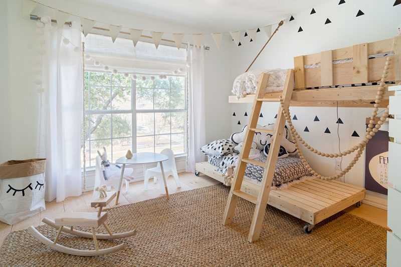 Эту причудливую и функциональную спальню мама спроектировала для своих двух детей