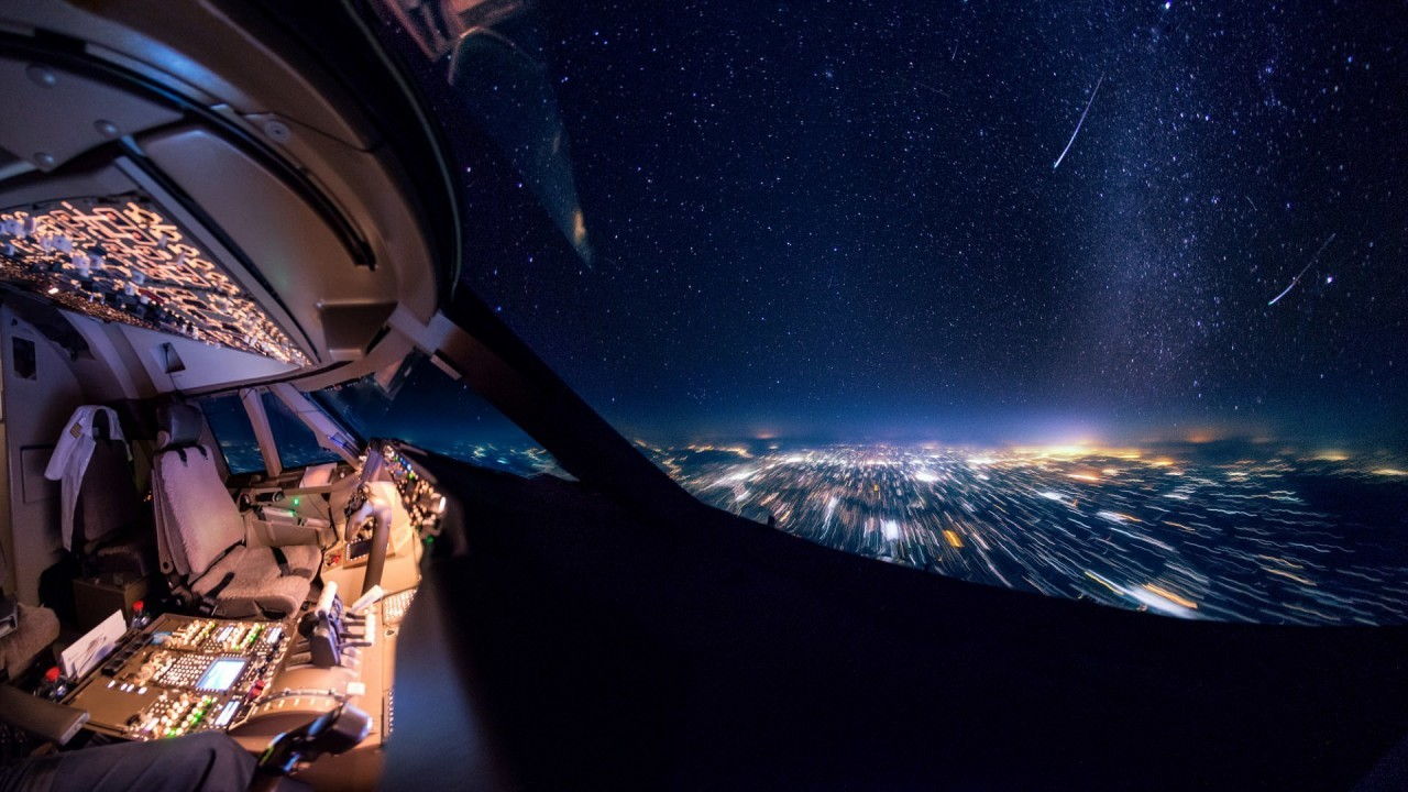 Звездопад, или метеорный поток в небе над Индией аэросъемка, кабина пилота, кабина самолета, красивые фотографии, пилот, с высоты, с высоты птичьего полета, фотограф
