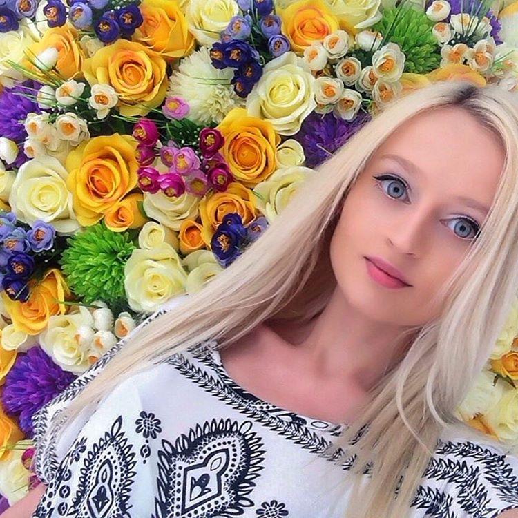 Барби из России утверждает, что её красота естественна