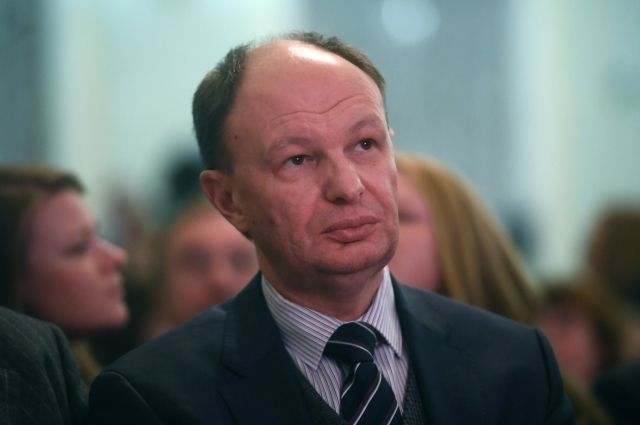 Глава Роспечати поздравил коллектив «АиФ» с 40-летним юбилеем