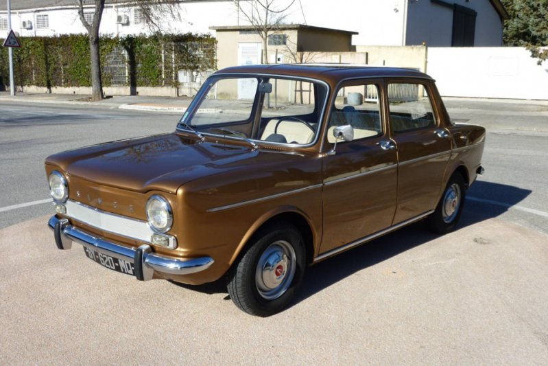 Конкуренцию моделям Renault составлял седан Simca 1000. Заднемоторный заднеприводный автомобиль производился во Франции с 1961 по 1978 год. заднемоторная компоновка, седан