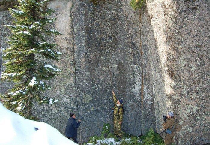 Размеры блоков впечатляют, по одной из версий, находка - рукотворное строение возрастом свыше 100 тыс лет загадки, интересное, камни, мегалиты, факты, цивилизации