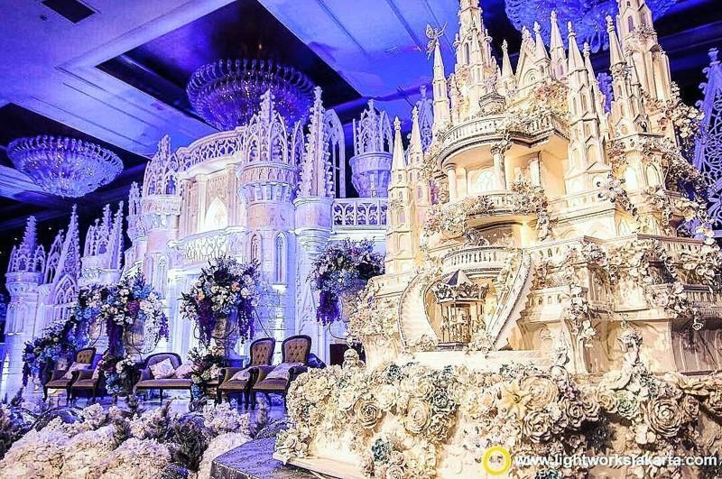 Превосходные свадебные торты, отрывающие от реального мира