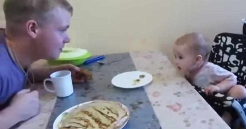 Малышка возмущается и спорит с папой. Их разговор бьет все рекорды популярности!