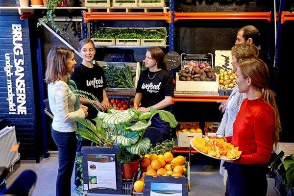 В Дании борются с выкидыванием и уничтожением еды!
