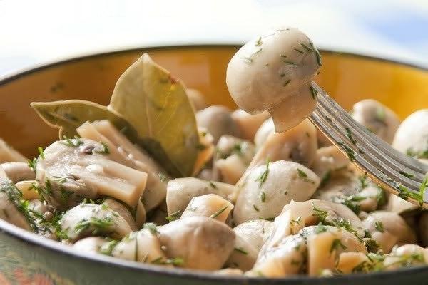 Готовлю на каждый праздник — замечательные грибочки в легком маринаде!