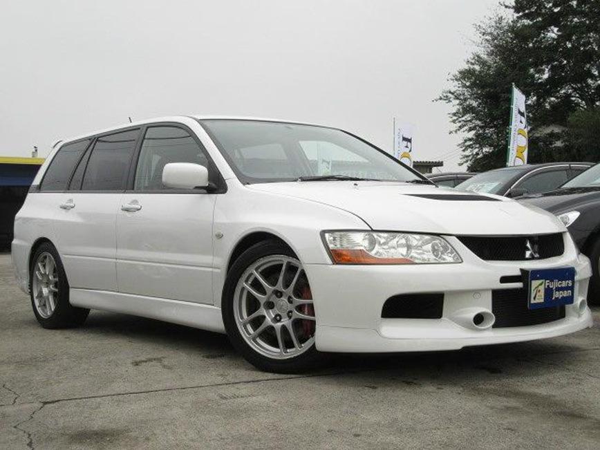 Редчайший универсал Mitsubishi Lancer Evolution IX Wagon 2006 года сейчас продают в Японии