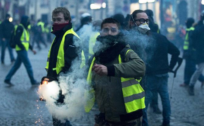 """Французская революция-2018: """"Желтые жилеты"""" идут по всей Европе"""