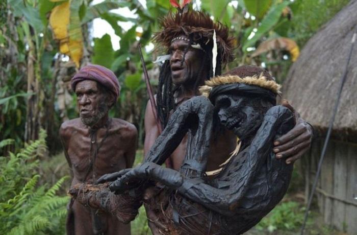 20 снимков удивительного индонезийского племени Дани