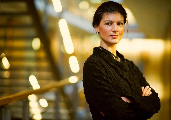 Сара Вагенкнехт: «очередным маневрам НАТО близ России нет оправдания. Угроза для Германии - это США»