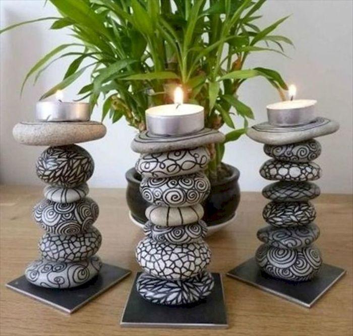 Играющее пламя свечи красиво гармонирует с силой и неприступностью камня. /Фото: artmyideas.com