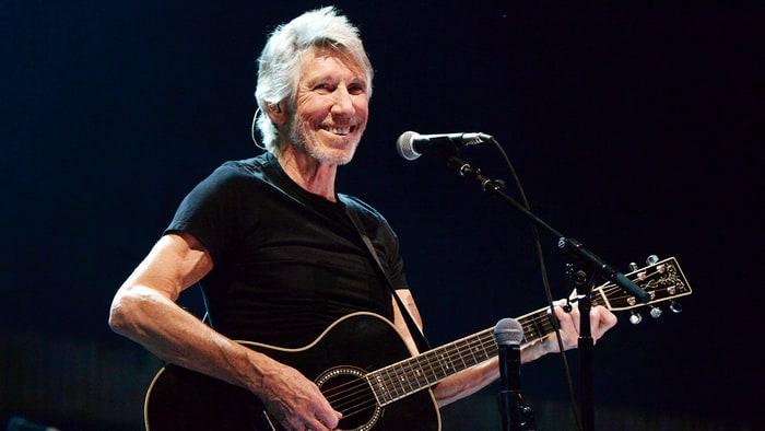 Лидер Pink Floyd прямо во время концерта поддержал Сирию и осудил фейки