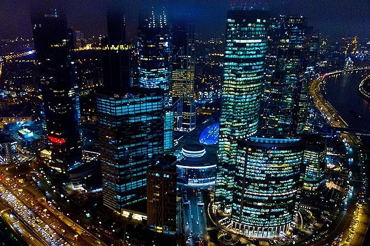 Более 300 человек эвакуировали из башни ОКО в «Москва-Сити» из-за задымления