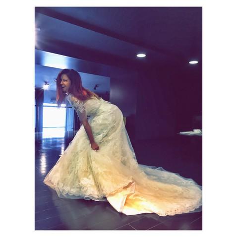 Нюша ищет свадебное платье