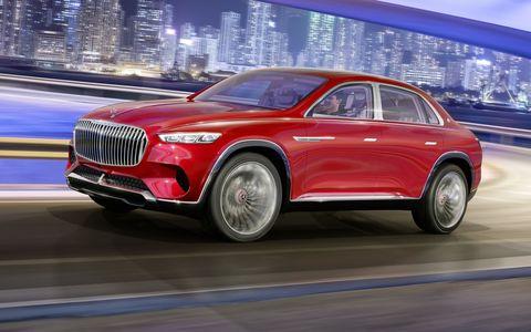 Кросс-седан Mercedes-Maybach Ultimate Luxury: золото, чайник, электричество
