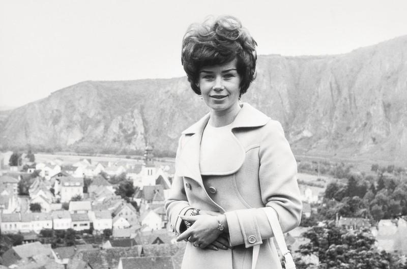 40 лет назад немецкий бизнесмен вел подробные записи встреч со своей секретаршей, прилагая к ним ее ногти и волосы